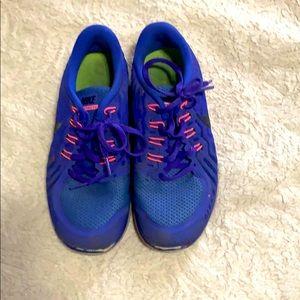 Nike barefoot runners purple